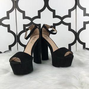 Shi Platform Chunky Heel